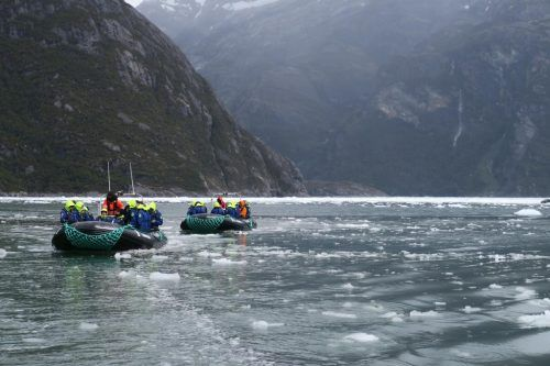 Cruising mit Tenderboten im Garibaldi Fjord